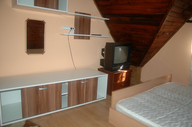 11_apartman_sa_tri_sobe