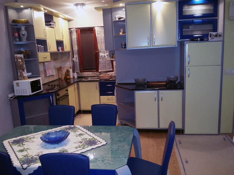 Srki-Apartman-dnevna-kuhinja-slika1