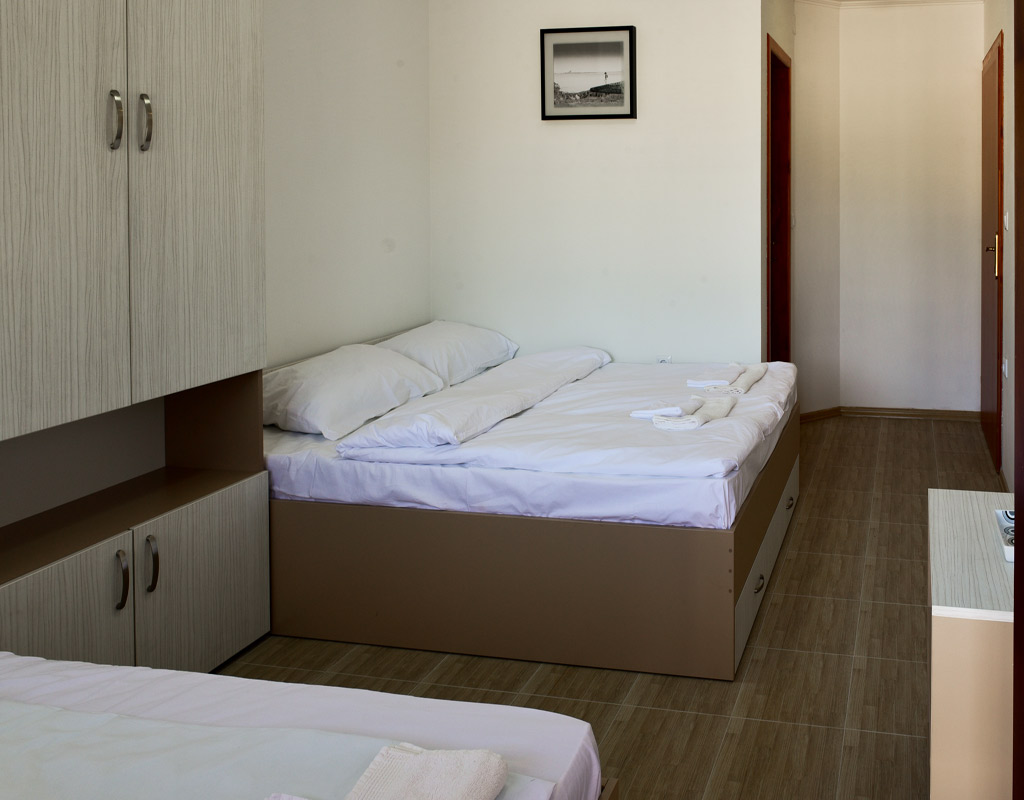 trokrevetna-soba-apartmani-visegra-usce-slika-8