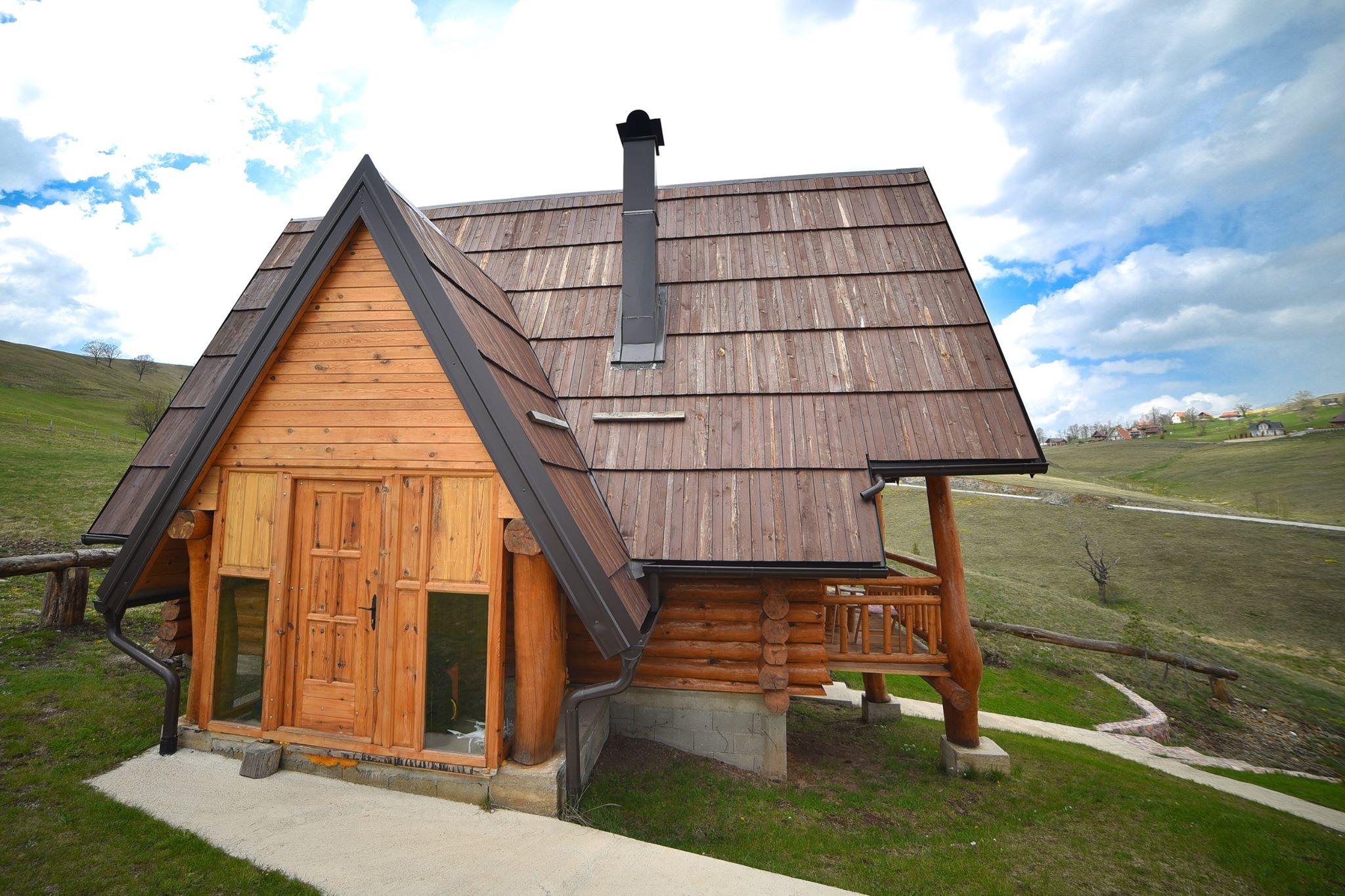 wooden Valley Zlatibor Brvnare